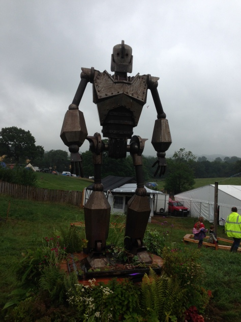 Nozstock_Friday_Rainy_Iron_Man