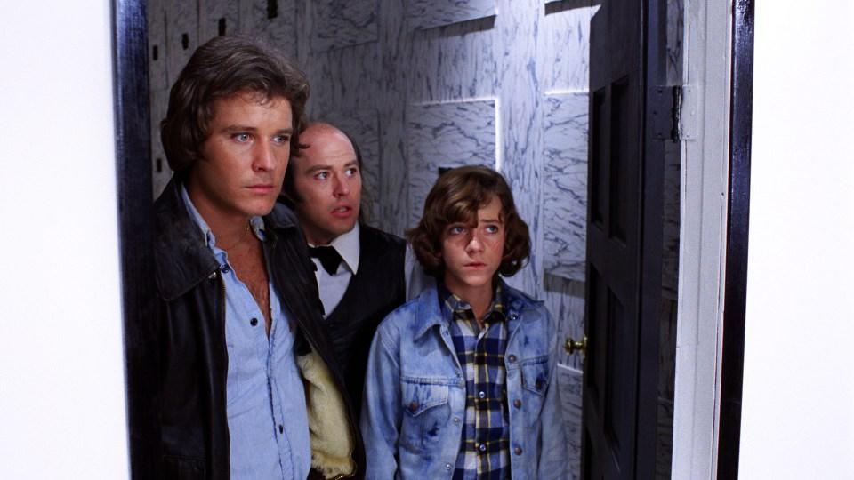 PHANTASM - Jody, Reggie, Mike in Doorway