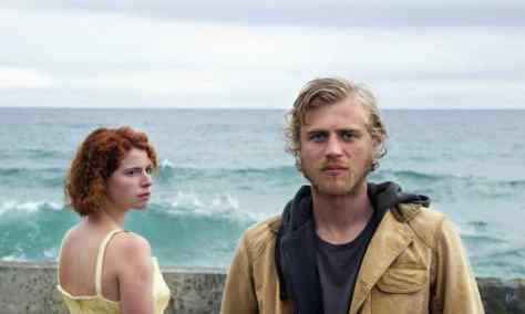 A3_Jessie-Buckley-Moll-and-Johnny-Flynn-Pascal-in-Beast.-Photgrapher_Kerry-Brown_low-res-696x418