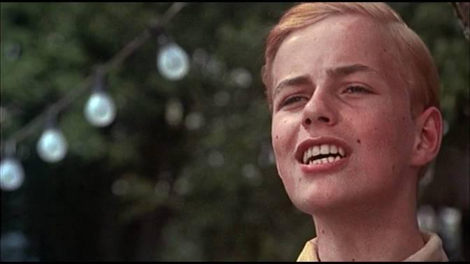 CLASSIC MOVIE SCENES #6 – 'TOMORROW BELONGS TO ME' – CABARET (1972)